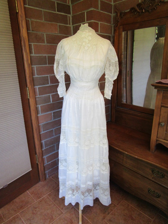 1910 white lawn and lace dress