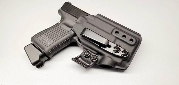 Glock 19/23/32 with Olight PL Mini - Custom Kydex IWB Holster (Glock 19 Gen  3-5 Compatible)