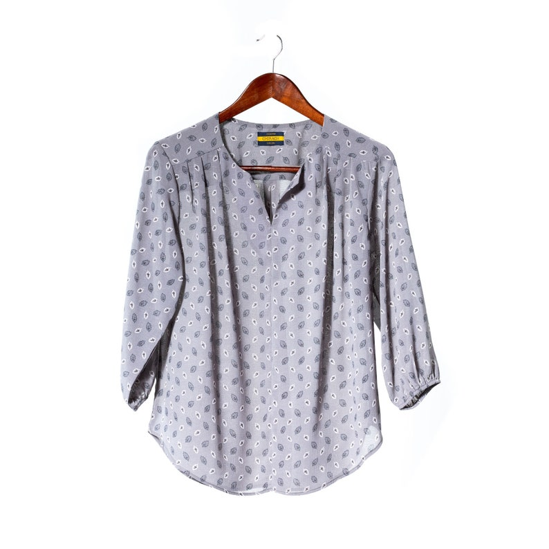 Casual Tops for Going Out 34 Sleeve Split Neck Medium Women/'s Blouse for Work Gray Floral Crinkle Fabric Loose Shirts over Leggings