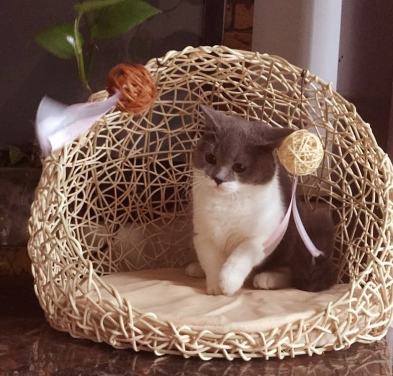 100 /% Wool  Handmade in NEPAL LARGE Felt Cat Cave  Diameter 40 cm  Height 25 cm  Cat Bed  Pet Bed  Puppy Bed  Cat House