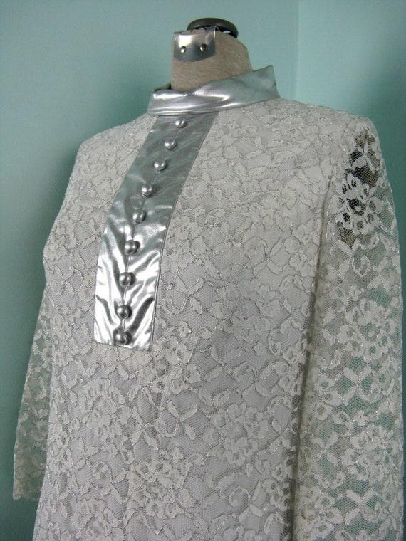 60s Space Age Mod Lace Silver Dress - image 3