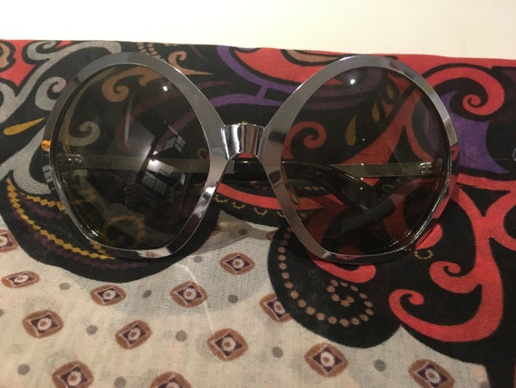 70s Space Age sunglasses - image 2