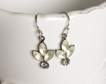 Flower Earrings, Vintage Glass, Vintage Style, Crystal Earrings, Bridal Earrings, Drop Earrings, Sterling Silver, 1950s, Leaf, Cream, Ivory