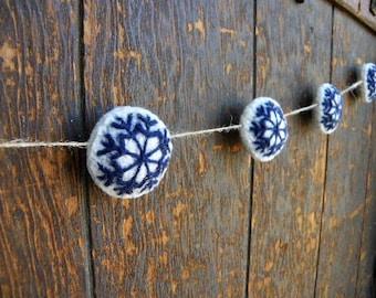 Snowflake Garland, White and Navy Blue