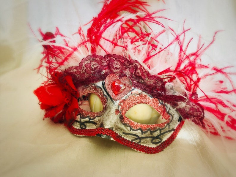 Steampunk Red ostrich feather mask Halloween Masquerade Cosplay. Burlesque