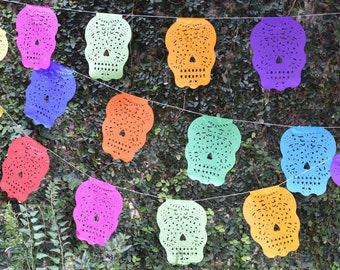 Sugar Skull Bunting Banner Halloween Party Bunting   5m 16ft Banner with 16 Small Flags   Day of the Dead Decor UK EU
