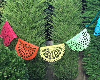 PAPEL PICADO Rainbow Rising | Mexican Bunting Banners Flags Party Decorations | 5m 16.4ft Garland with 10 Large Flags | Handmade in Mexico