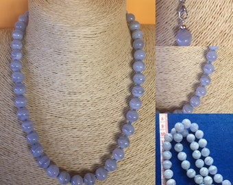 Necklace in Chalcedony