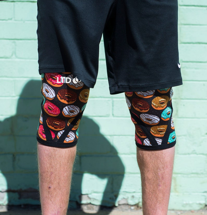 5MM Donut Judge Me Fitness Weightlifting Sleeves CrossFit Knee Sleeves 5mm Compression Knee Sleeve Crossfit Compression Knee Sleeves
