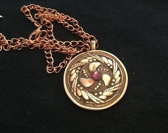 "C200  Pendant in intricate wheat pattern, perfect gift, Copper,  Swarovski Crystal ,  Bright copper 18"" chain"