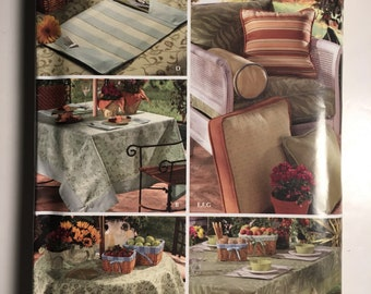 Uncut Simplicity Pattern 3695 Christopher Lowell Collection Outdoor Tablecloths Pillows Place Mats Bolster 07 18 Pieces 7 Items Patio Porch