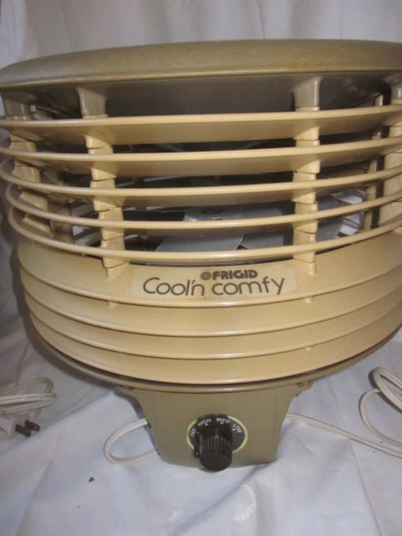 MCM Fan Home Decor Atomic Age Decor Home Furnishings Vintage Robeson Cool N Comfy 12 3 Speed Hassock Fan Deck or Porch Fan