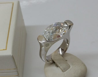 925 Silver ring with large Crystal stone SR608