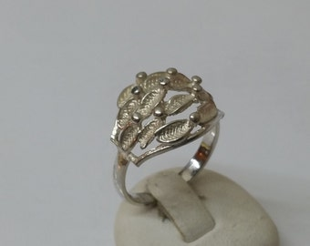 925 Silver ring with point design 18.4 mm, size 8.3 SR168