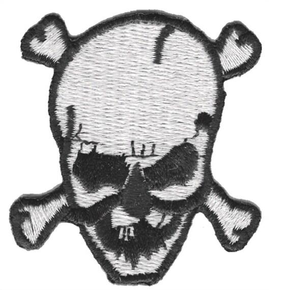 "Skeleton Badge 7//8/"" 3-Pack, Iron on Mini Skull Crossbones Applique Patch"