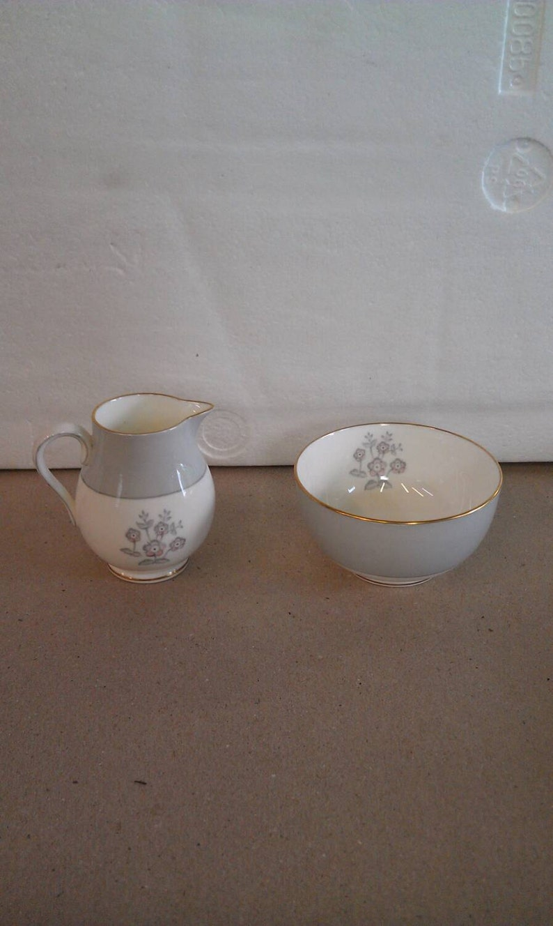 Wedgwood Bone China Cream /& Sugar Set