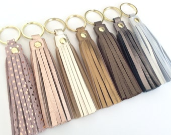Leather tassel keychain.Leather key fob.Leather tassel charm.Purse Tassel.Accesory.Gift.Metallic Rose Gold.Polka dots.Personalised.Pulpo.