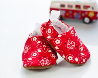 Baby Shoes, Baby Shoes Girl, Baby Shoes Boy, Red Bandana, Baby Booties, Baby Shower Gift, Modern Baby, Toddler Slippers, Baby Gift, Western