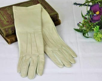 Vintage Cream Gloves/ Cream and Leather Day Gloves/1960's Gloves/Clothing Accessories (Ref1983M)