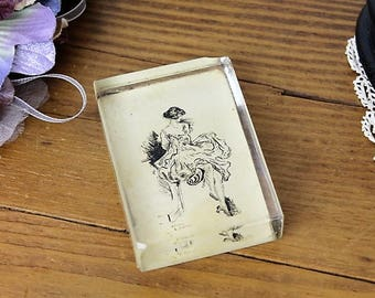 Vintage Glass Paperweight/1920 Flapper Girl/1920 Pen and Ink Paperweight/Falpper Paperweight (Ref1987H