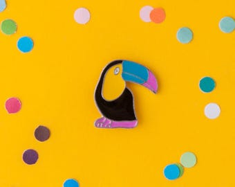 Toucan bird enamel pin