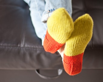 Knitted slippers, Womens slippers, Pure wool slipper socks, Wool home shoes, Red slippers, Green slippers, Indoor hand knitted shoes, WoWool