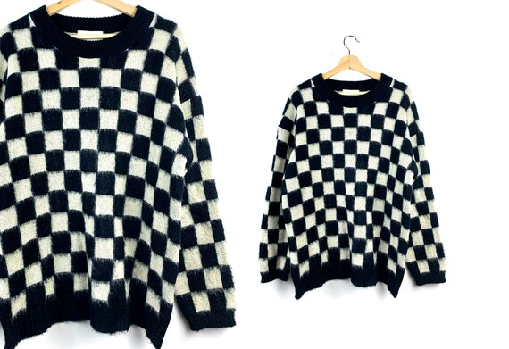 90s Vintage Black & White Checkerboard Sweater | O