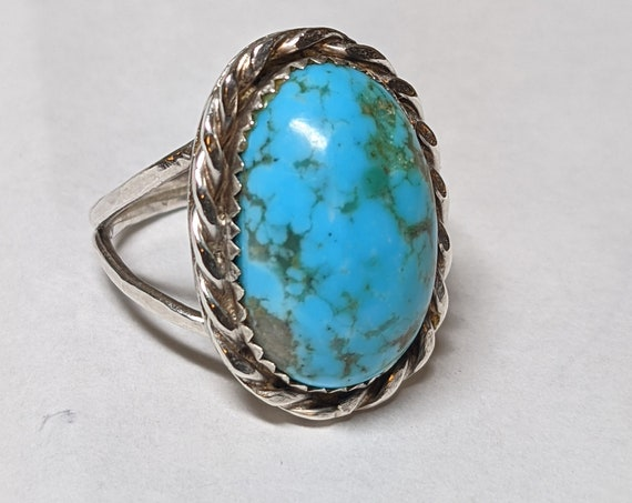 FREE SHIPPING- Vintage Sterling Silver Ring with Braided Edge and Large Turquoise Stone. Beautiful Color! Size 10