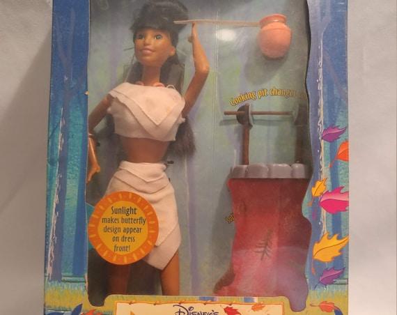 FREE SHIPPING- 1995 Mattel Disney's Pocahontas Sun Colors Nakoma Doll # 13331
