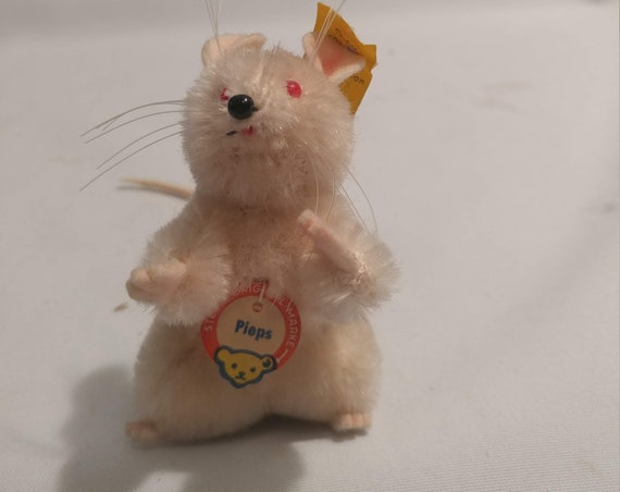 """FREE SHIPPING- Vintage Steiff Original White Plush """"Pieps"""" Mouse with Red Eyes Original I.D. Tag & Name Tag Included #4808 04"""