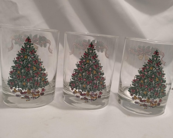 """FREE SHIPPING- Set of 4 Vintage Johnson Brothers England """"Victorian Christmas""""  Clear Double Old Fashioned Glasses. 4-1/8"""" Tall."""