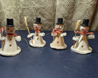 Set #2 Top Hats Holding Candy Canes /& Broomsticks FREE SHIPPING Vintage Set of 4 Frosty The Snowman Ornaments with Velour Paper Body