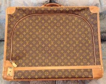 FREE SHIPPING-Rare-Vintage-Authentic-Louis Vuitton-By The French  Co.-Monogramed-Leather-Tan Leather Trim-Tote-Luggage-Trunk-Garment Bag 8402075981d3b