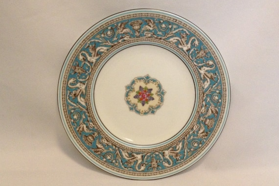 "FREE SHIPPING-Fabulous-Vintage-Wedgwood-Bone China-Florentine-Turquoise-Dragon-Made In England-8""-W2714-Salad/Dessert Plate"