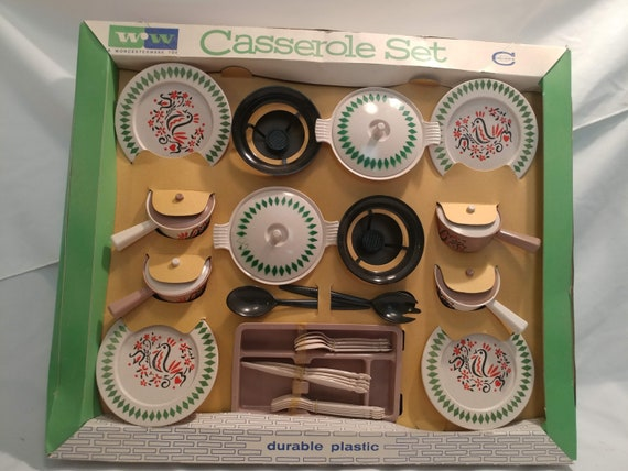 FREE SHIPPING- Vintage Made in the USA Children's Casserole Dish Play Set by Worcester Ware. Corobex Germ Proof. Never used. In Original Box