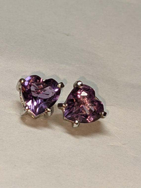 FREE SHIPPING- Vintage Heart Shaped Earrings with Purple Gemstone. Silver Tone Hardware. Stud Earrings For Pierced Ears