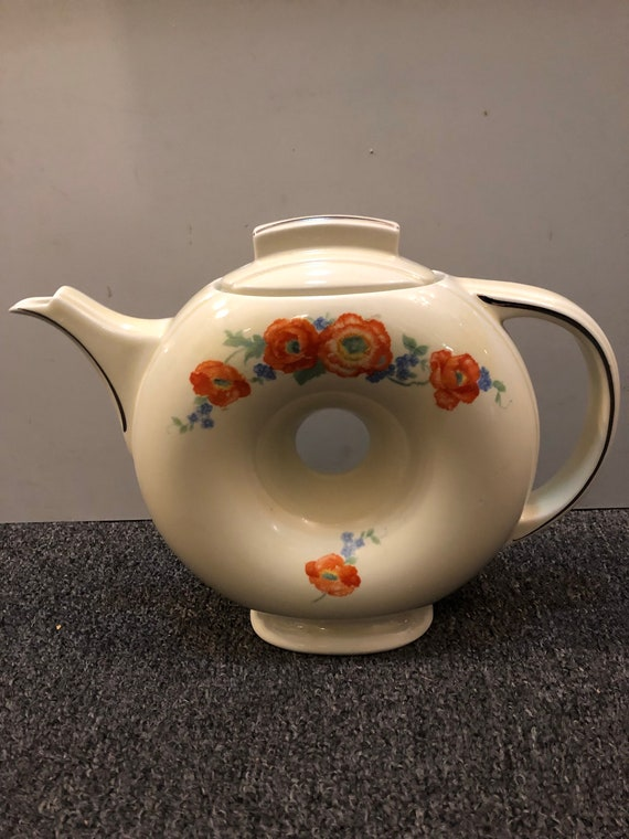 FREE SHIPPING-Hall's  Donut Pitcher