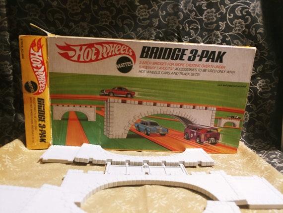 1969 Mattel HotWheels Bridge 3 Pack. Never Used! In Original Snap off Mold with Original Box