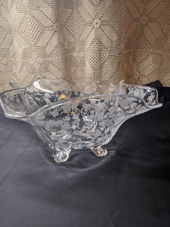 "FREE SHIPPING- Vintage Cambridge Rose Point Clear 4 Toed, Fan Shaped Bowl. 5-1/4"" Tall x 13"" D."