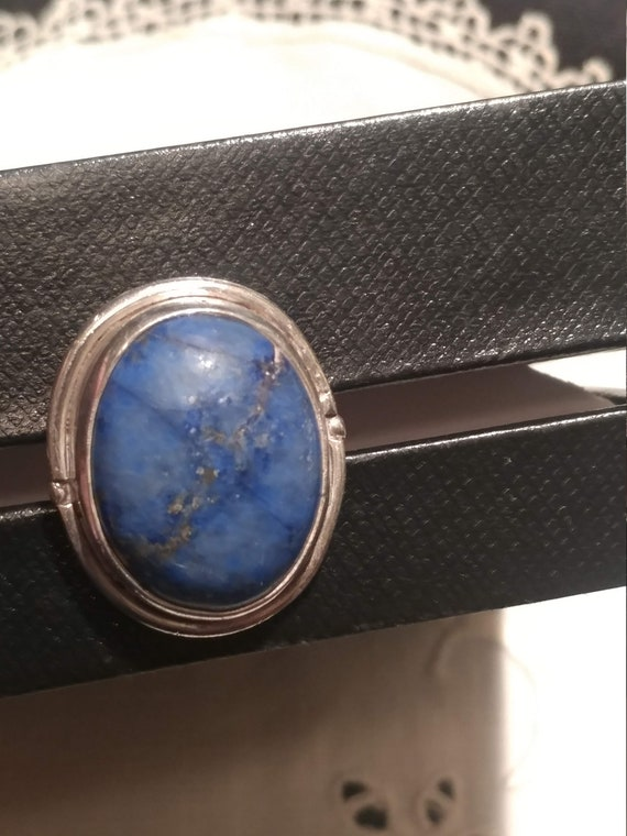FREE SHIPPING- Vintage 925 Sterling Silver Ring with Large Blue Lapis Lazuli Stone. Unisex Design.  U.S.A. Size 5