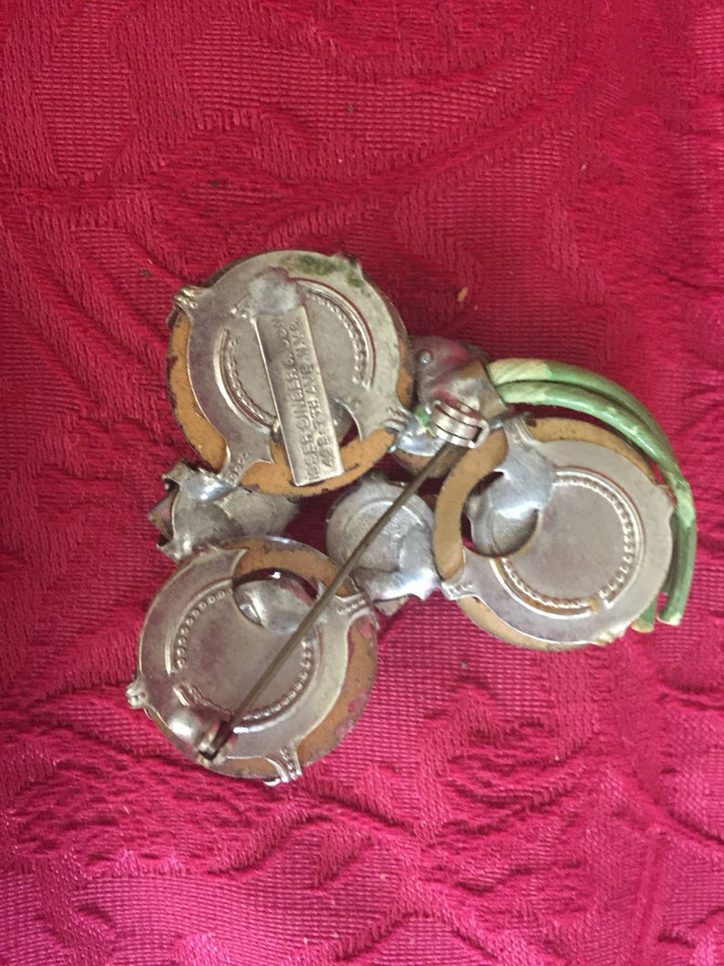 Brooch Vintage-Isser Singer and Son FREE  SHIPPING