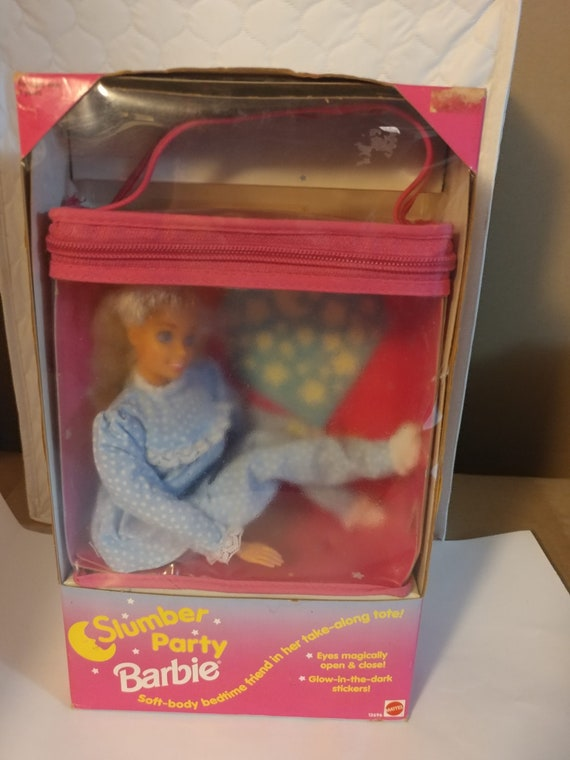 FREE SHIPPING- Vintage Slumber Party Barbie with Open/Close Eyes. Packed in Transparent Carry Tote. Never Opened! New In Box!