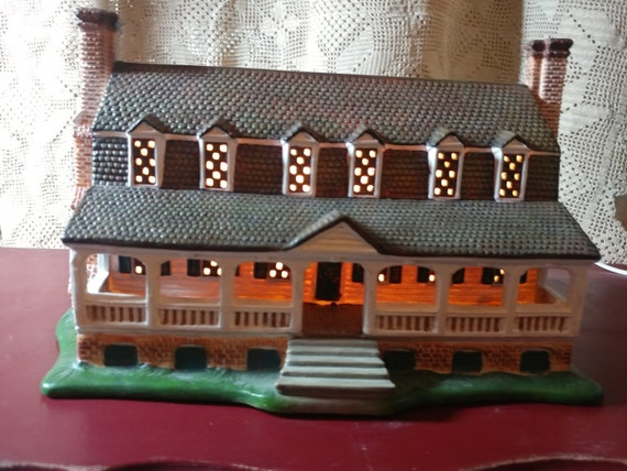 FREE SHIPPING- Lang & Wise Colonial Williamsburg Collectibles- Christiana Campbell's Tavern #20489711