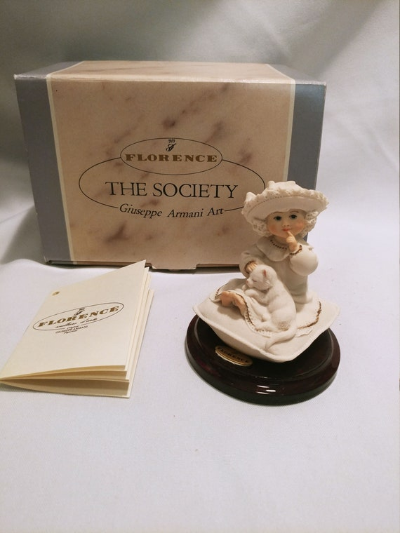"""Giuseppe Armani Florence """"The Society"""" figurines 1997 446/F Quiet Place - Girl with sleeping cat"""