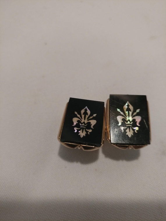 FREE SHIPPING: Vintage Swank Cufflinks with Bullet Back Closure. Gold Tone Back, Black Onyx with Mother of Pearl Fleur de Lis