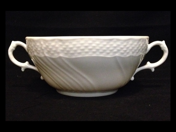 FREE SHIPPING-Richard Ginori-Bianco Vecchio-Italy-White-Basket Weave-Double Handle-Cream Soup-Bowl