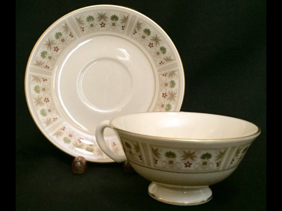 FREE SHIPPING-Fabulous-Lenox-Tableau-Made USA-Footed-Cup And Saucer-Set