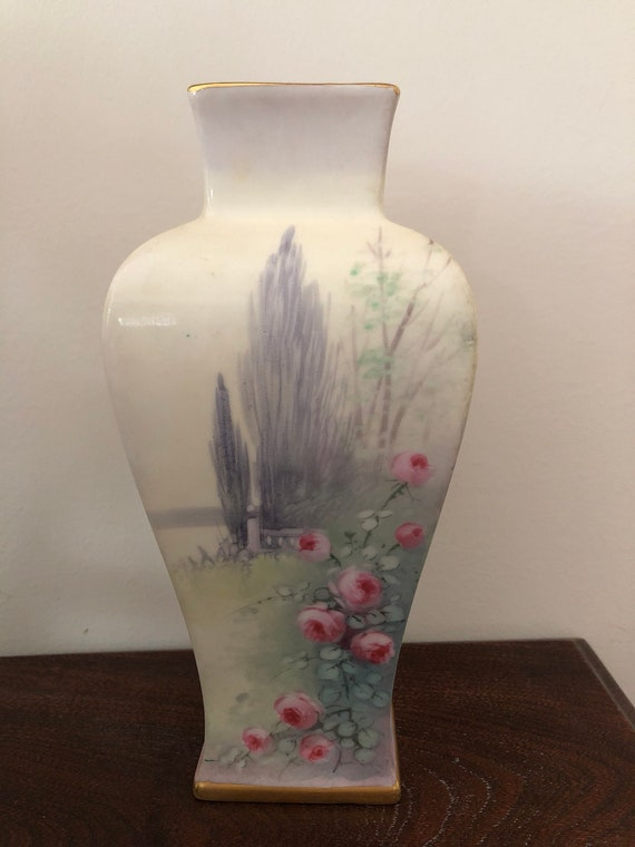 FREE SHIPPING-Pickard-Artist Signed-Hand Painted-9.25 inch Vase-Summer