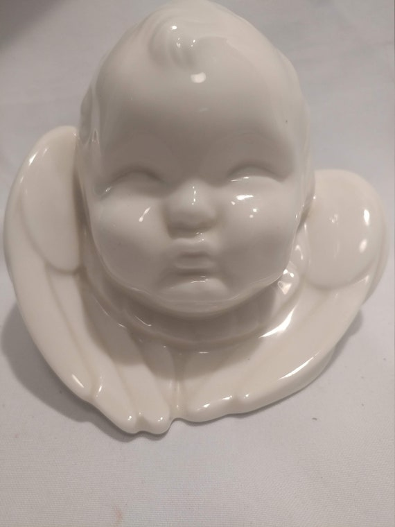 """FREE SHIPPING*- Vintage Lenox USA Porcelain Cherub Angel Bust. 5"""" Tall x 7"""" Wide. Very Good Condition!"""