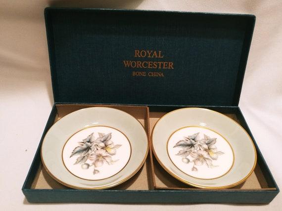 "FREE SHIPPING- Vintage Set of 2- Royal Worcester Fine Bone China 4"" D Small Plates. Original Box. ""Woodland Pattern"""